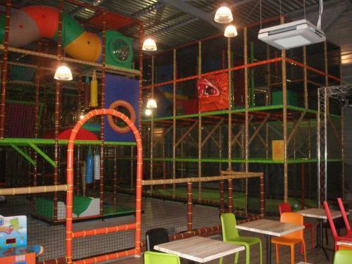 univers-loisirs-fabricant-structure-parc-jeux-indoor